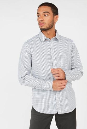 قميص كاروهات بأكمام طويلة وتفاصيل جيب