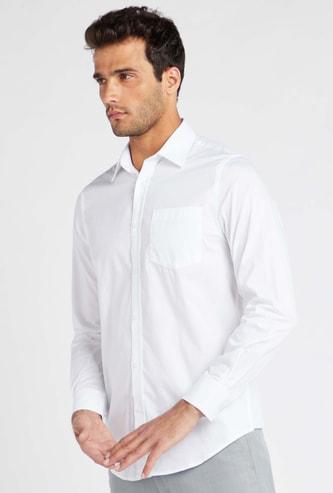 قميص رسمي سادة بياقة عادية وأكمام طويلة وأزرار إغلاق