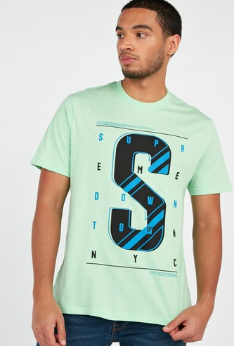 Graphic Text Print T-shirt with Short Sleeves