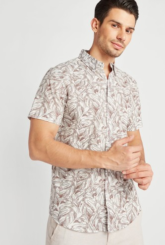 Slim Fit Printed Shirt with Short Sleeves and Spread Collar