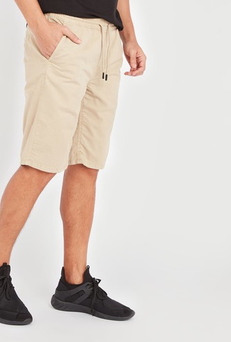 Solid Mid-Rise Shorts with Pocket Detail and Elasticised Waistband