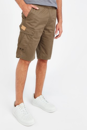 Solid Mid-Rise Cargo Shorts with Pocket Detail and Drawstring
