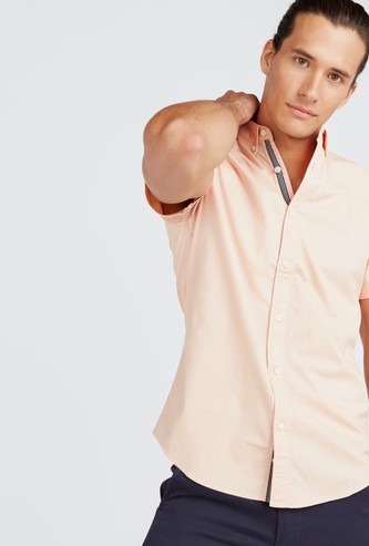 Solid Stretch Oxford Shirt with Button Down Collar and Short Sleeves