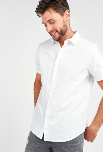 Slim Fit Solid Shirt with Short Sleeves and Spread Collar