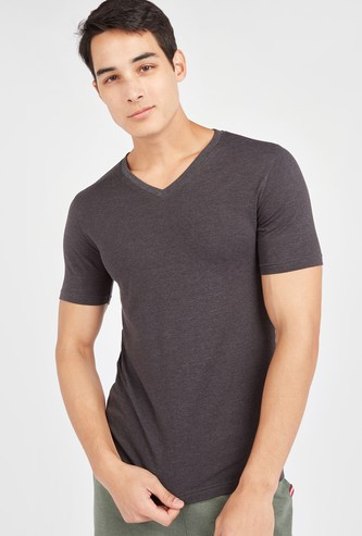 Slim Fit Solid T-shirt with V-neck and Short Sleeves