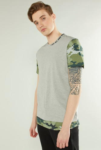 Slim Fit Double Hem T-shirt with Camouflage Print Short Sleeves