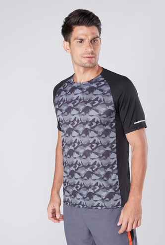 Camouflage Printed T-shirt with Round Neck and Raglan Sleeves