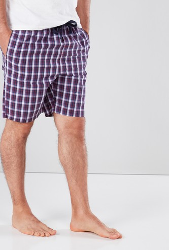 Checked Shorts with 3-Pockets and Drawstring Closure