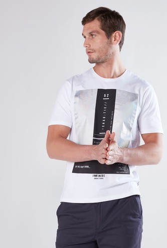 Foil Printed Slim Fit T-shirt with Round Neck and Short Sleeves