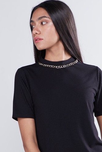 Ribbed High Neck T-shirt with Chain Accented and Short Sleeves