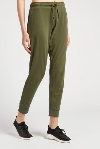 Solid 3/4th Jog Pants with Pockets and Drawstring Closure