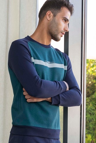Reflective Print Raglan Seam Sweatshirt with Crew Neck