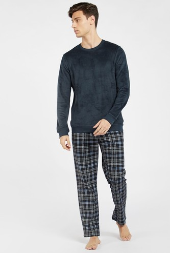 Knitted Long Sleeves T-shirt and Full Length Checked Pyjama Set
