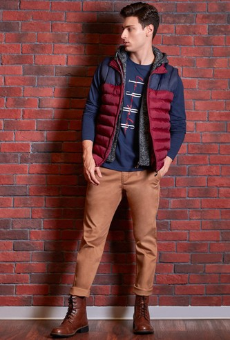 Quilted Sleeveless Jacket with Hooded Neck and Zip Closure