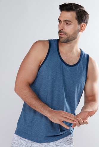 Sleeveless T-Shirt with Scoop Neck and Contrast Piping