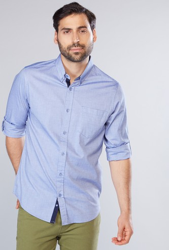 قميص بأكمام طويلة ووصلة أزرار كاملة