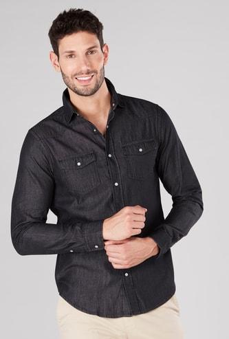 قميص سادة بأكمام طويلة وجيوب بطيّة