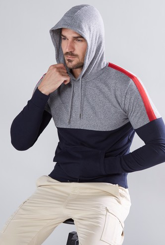 Long Sleeves Sweatshirt with Hood and Drawstring