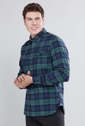 قميص كاروهات بأكمام طويلة وجيوب بطيّة