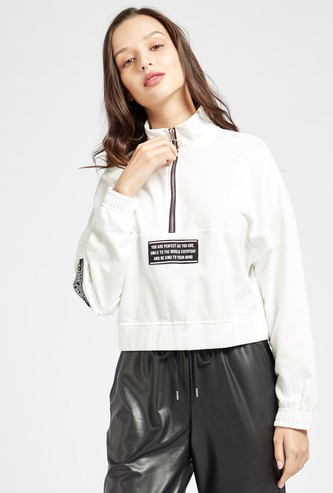 Printed High Neck Cropped Sweatshirt with Long Sleeves and Zip Closure