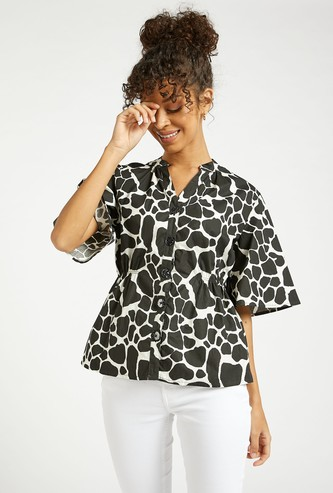 Printed Mandarin Neck Top with Short Sleeves and Button Closure