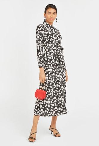 فستان قميص ميدي بأكمام طويلة وياقة عادية وأربطة وطبعات