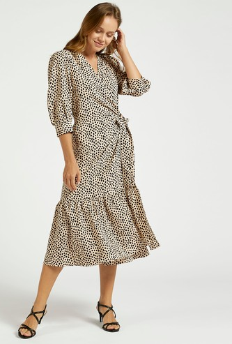 فستان إيه لاين ملفوف ميدي بطبعات مع أكمام بيشوب وأربطة