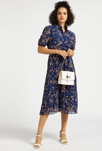 فستان قميص ميدي بأكمام منفوخة وطبعات زهرية وحزام