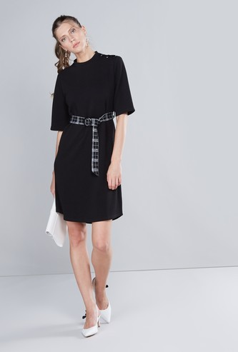 Textured Dress with Short Sleeves and Tie Up Detail