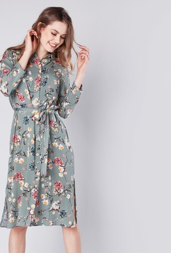 فستان قميص بطول الركبة بأكمام 3/4 وطبعات زهرية