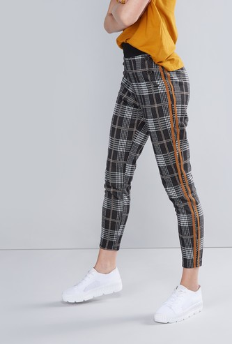 High Waist Checked Jeggings with Stripe and Button Detail