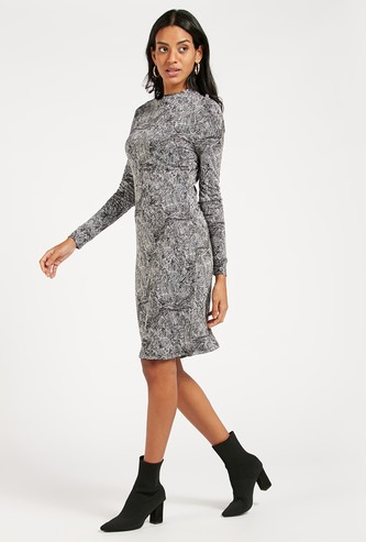 Printed Shift Dress with Long Sleeves