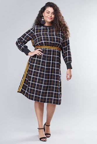 Chequered A-line Midi Dress with Long Sleeves