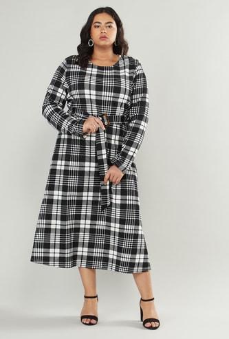 فستان إيه لاين مربّعات بياقة مستديرة من كينجهام