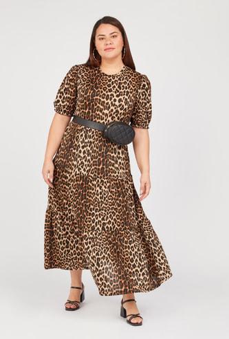 فستان إيه لاين ميدي بياقة مستديرة وأكمام قصيرة وطبعات حيوانات