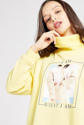 Graphic Print Sweatshirt with High Neck and Long Sleeves