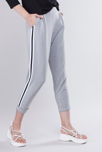 3/4th Pants with Striped Side Tape and Pocket Detail