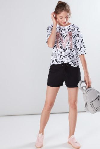 Shorts with Elasticised Waistband and Drawstring