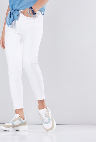 Cropped Jeans with Pocket Detail and Button Closure