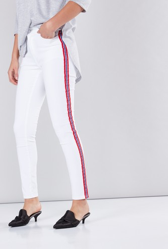 Full Length Mid-Rise Jeans in Skinny Fit with Tape Detail
