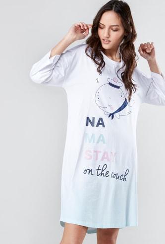 قميص نوم بأكمام 3/4 وطبعات