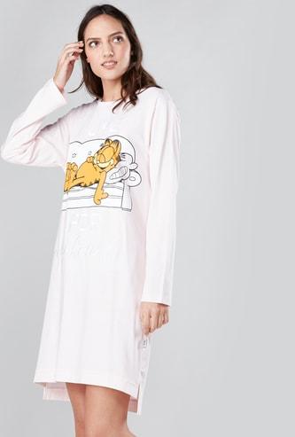 قميص نوم بطبعات جارفيلد