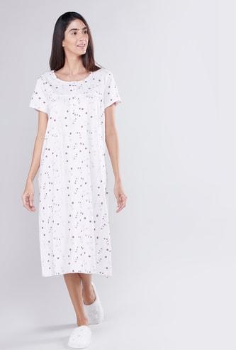 قميص نوم بأكمام قصيرة وطبعات زهرية