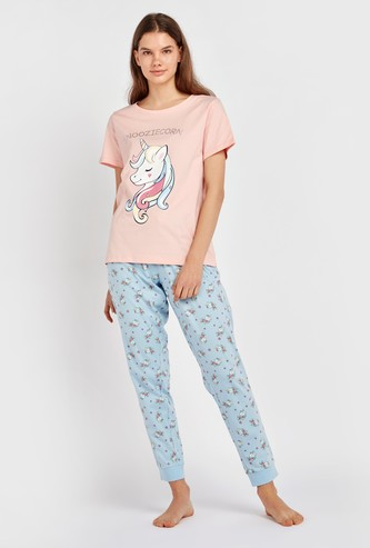 Printed Round Neck T-shirt with Jog Pants