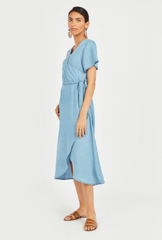 Solid Midi A-line Dress with Flared Sleeves and Tie Ups