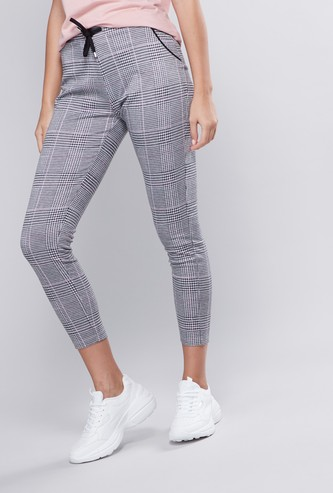 Chequered Cropped Leggings with Elasticised Waistband and Drawstring