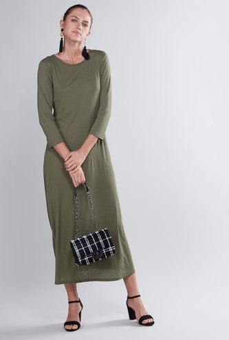 Plain Maxi A-line Dress with Round Neck and 3/4 Sleeves