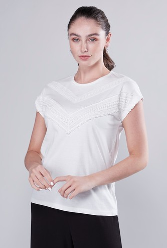 Embroidery Detail T-shirt with Short Sleeves