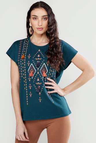 Abstract Print T-shirt with Tassel Applique Detail and Short Sleeves