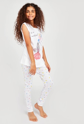 Girl Print Cap Sleeves T-shirt with Pyjamas Set